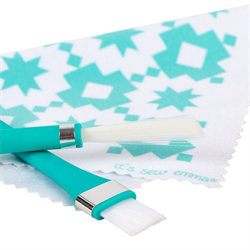 Oh Sew Clean Brush and Cloth Set